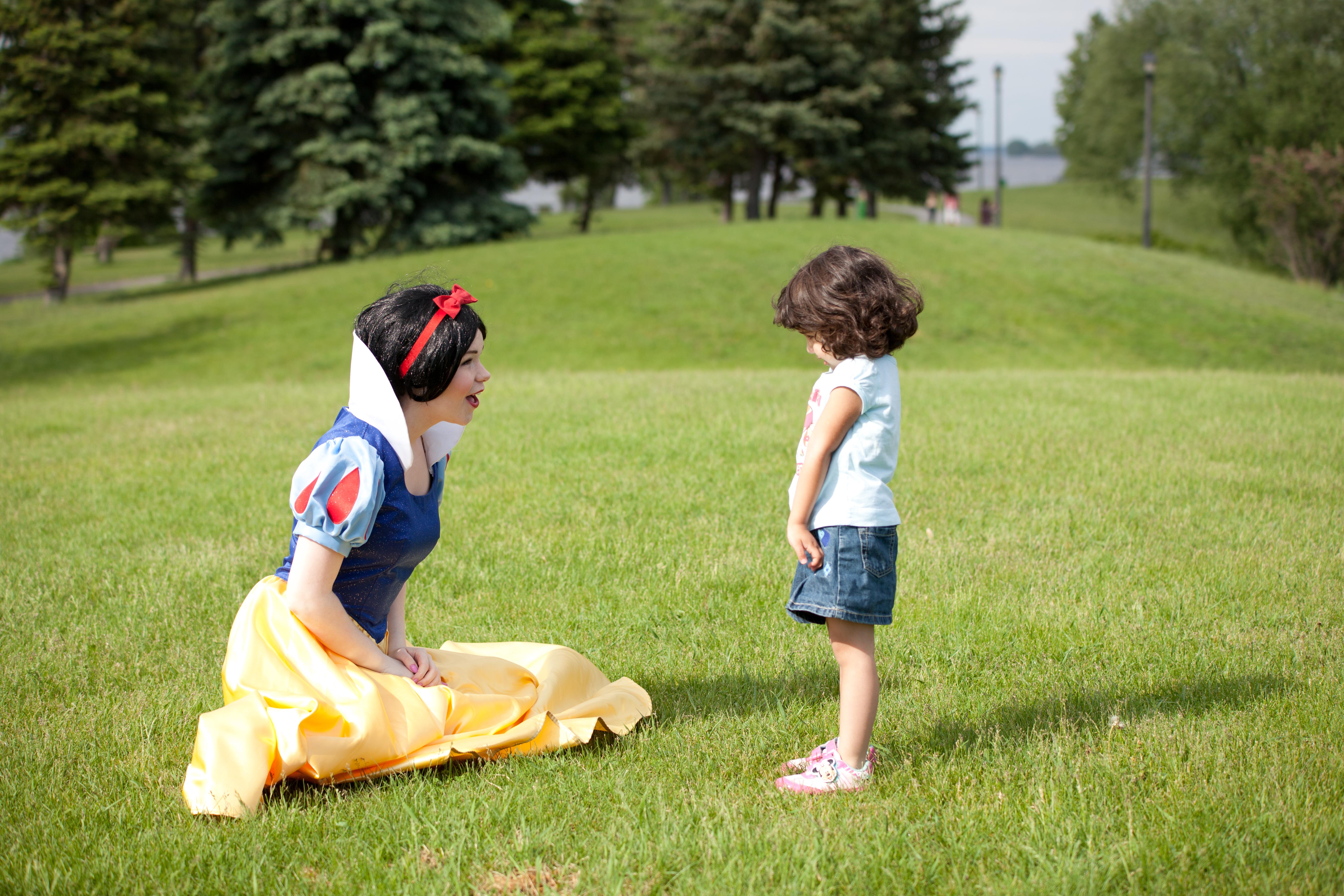 My total fav pic ever! Snow White and her lil fan